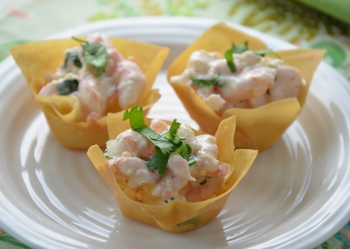 Mango - Curry Shrimp Salad in Wonton Cups