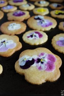 shortbread-floral-cookies